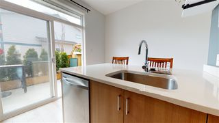 """Photo 5: 50 1188 WILSON Crescent in Squamish: Dentville Townhouse for sale in """"CURRET"""" : MLS®# R2451766"""