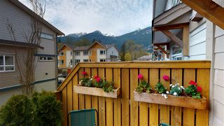 """Photo 6: 50 1188 WILSON Crescent in Squamish: Dentville Townhouse for sale in """"CURRET"""" : MLS®# R2451766"""