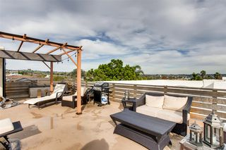 Photo 1: CROWN POINT Condo for sale : 1 bedrooms : 1740 Roosevelt Ave #A in San Diego
