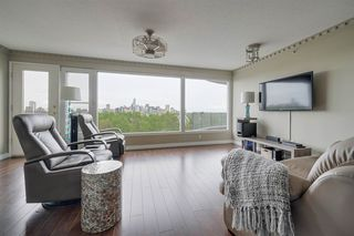 Photo 4: 402 10721 Saskatchewan Drive in Edmonton: Zone 15 Condo for sale : MLS®# E4198639