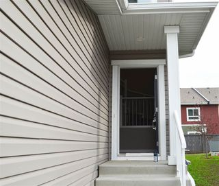 Photo 2:  in Edmonton: Zone 28 House Half Duplex for sale : MLS®# E4199332
