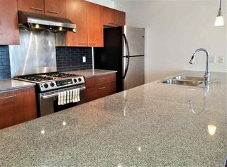 """Photo 7: 1403 4333 CENTRAL Boulevard in Burnaby: Metrotown Condo for sale in """"The Presidia"""" (Burnaby South)  : MLS®# R2467452"""