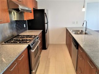 """Photo 8: 1403 4333 CENTRAL Boulevard in Burnaby: Metrotown Condo for sale in """"The Presidia"""" (Burnaby South)  : MLS®# R2467452"""