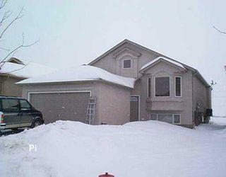 Main Photo: 79 MONTVALE Crescent in Winnipeg: Windsor Park / Southdale / Island Lakes Single Family Detached for sale (South East Winnipeg)  : MLS®# 2700821