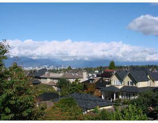 Photo 8: 4888 TRAFALGAR Street in Vancouver: MacKenzie Heights House for sale (Vancouver West)  : MLS®# V671444