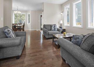 Photo 4: 10719 72 Avenue in Edmonton: Zone 15 House Half Duplex for sale : MLS®# E4177405