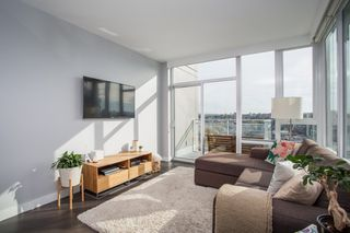 """Photo 3: 1923 1618 QUEBEC Street in Vancouver: Mount Pleasant VE Condo for sale in """"CENTRAL"""" (Vancouver East)  : MLS®# R2418056"""