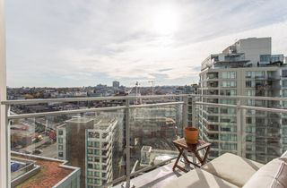 """Photo 10: 1923 1618 QUEBEC Street in Vancouver: Mount Pleasant VE Condo for sale in """"CENTRAL"""" (Vancouver East)  : MLS®# R2418056"""