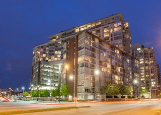 """Photo 1: 1923 1618 QUEBEC Street in Vancouver: Mount Pleasant VE Condo for sale in """"CENTRAL"""" (Vancouver East)  : MLS®# R2418056"""
