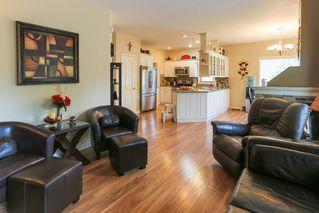 Photo 6: 4 GRANDIN Lane: St. Albert House for sale : MLS®# E4187252