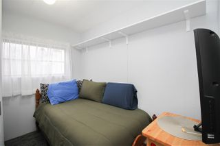 """Photo 10: 219 1840 160 Street in Surrey: King George Corridor Manufactured Home for sale in """"Breakaway Bays"""" (South Surrey White Rock)  : MLS®# R2436590"""