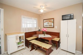 """Photo 8: 219 1840 160 Street in Surrey: King George Corridor Manufactured Home for sale in """"Breakaway Bays"""" (South Surrey White Rock)  : MLS®# R2436590"""
