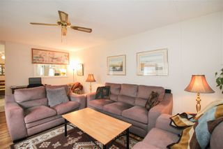 """Photo 4: 219 1840 160 Street in Surrey: King George Corridor Manufactured Home for sale in """"Breakaway Bays"""" (South Surrey White Rock)  : MLS®# R2436590"""