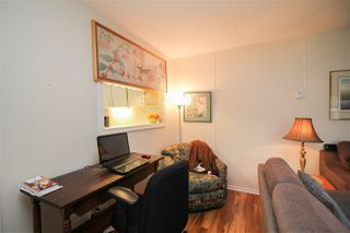 """Photo 5: 219 1840 160 Street in Surrey: King George Corridor Manufactured Home for sale in """"Breakaway Bays"""" (South Surrey White Rock)  : MLS®# R2436590"""