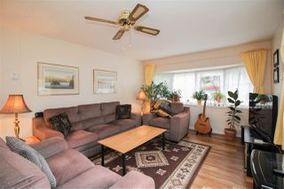 """Photo 3: 219 1840 160 Street in Surrey: King George Corridor Manufactured Home for sale in """"Breakaway Bays"""" (South Surrey White Rock)  : MLS®# R2436590"""