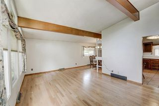 Photo 4: 2740 LIONEL Crescent SW in Calgary: Lakeview Detached for sale : MLS®# C4303561