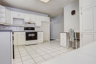 Photo 10: 2427 23 Street NW in Calgary: Banff Trail Detached for sale : MLS®# A1025508