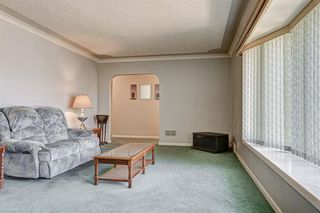 Photo 4: 2427 23 Street NW in Calgary: Banff Trail Detached for sale : MLS®# A1025508
