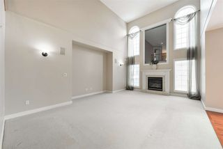 Photo 13: 1197 HOLLANDS Way in Edmonton: Zone 14 House for sale : MLS®# E4221432