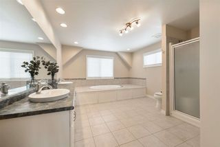 Photo 34: 1197 HOLLANDS Way in Edmonton: Zone 14 House for sale : MLS®# E4221432