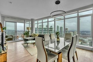 """Photo 1: 3010 1788 GILMORE Avenue in Burnaby: Brentwood Park Condo for sale in """"ESCALA"""" (Burnaby North)  : MLS®# R2523957"""