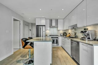 """Photo 16: 3010 1788 GILMORE Avenue in Burnaby: Brentwood Park Condo for sale in """"ESCALA"""" (Burnaby North)  : MLS®# R2523957"""