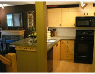 """Photo 8: 33 7488 SOUTHWYNDE Avenue in Burnaby: South Slope Townhouse for sale in """"LEDGESTONE 1"""" (Burnaby South)  : MLS®# V795268"""