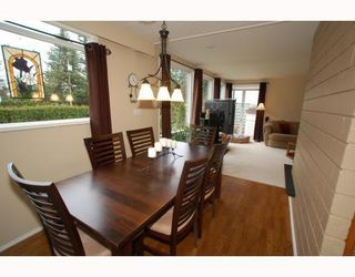 Photo 4: 1315 Arborlynn Drive in North Vancouver: Westlynn House for sale : MLS®# V810109