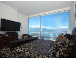 Photo 5: # 4203 1111 ALBERNI ST in Vancouver: Condo for sale : MLS®# V836772