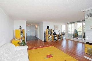 Photo 3: 20 GUILDWOOD PKWY in TORONTO: Condo for sale