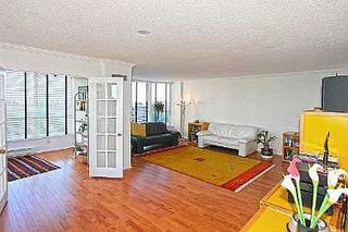Photo 2: 20 GUILDWOOD PKWY in TORONTO: Condo for sale