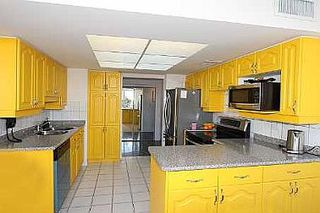 Photo 4: 20 GUILDWOOD PKWY in TORONTO: Condo for sale