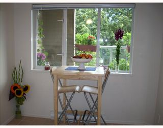 """Photo 8: 208 789 W 16TH Avenue in Vancouver: Fairview VW Condo for sale in """"SIXTEEN WILLOWS"""" (Vancouver West)  : MLS®# V663069"""