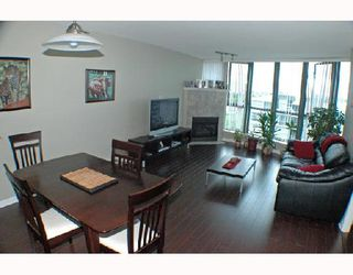"""Photo 3: 1502 1088 QUEBEC Street in Vancouver: Mount Pleasant VE Condo for sale in """"VICEROY"""" (Vancouver East)  : MLS®# V710597"""