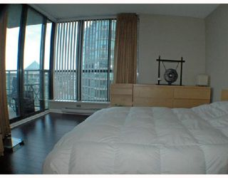 """Photo 5: 1502 1088 QUEBEC Street in Vancouver: Mount Pleasant VE Condo for sale in """"VICEROY"""" (Vancouver East)  : MLS®# V710597"""
