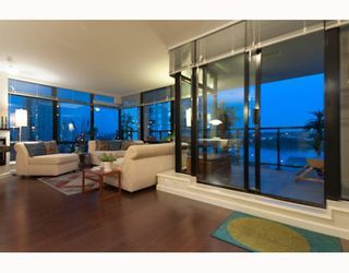 Photo 3: # 705 610 VICTORIA ST in New Westminster: Condo for sale : MLS®# V772287