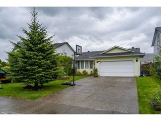 Photo 1: 2788 272B Street in Langley: Aldergrove Langley House for sale : MLS®# R2394943