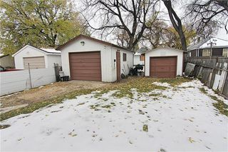 Photo 15: 581 Burrows Avenue in Winnipeg: Residential for sale (4A)  : MLS®# 202000240