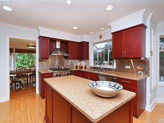 Photo 8: 619 Island Road in VICTORIA: OB South Oak Bay Single Family Detached for sale (Oak Bay)  : MLS®# 419864