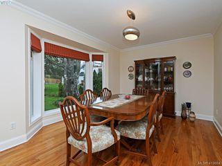Photo 7: 619 Island Road in VICTORIA: OB South Oak Bay Single Family Detached for sale (Oak Bay)  : MLS®# 419864