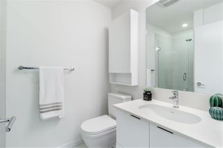"Photo 13: 307 733 W 3RD Street in North Vancouver: Harbourside Condo for sale in ""THE SHORE"" : MLS®# R2430093"