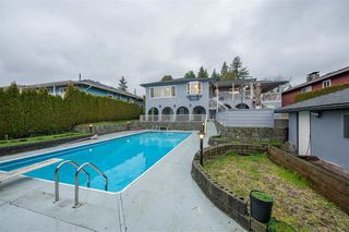 Photo 1: 708 PEMBROKE AVENUE in Coquitlam: Coquitlam West House for sale : MLS®# R2428205