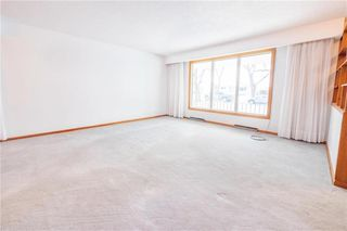 Photo 5: 104 Gilia Drive in Winnipeg: Garden City Residential for sale (4G)  : MLS®# 202006833
