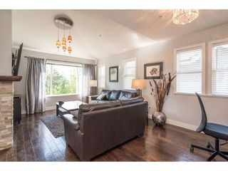 """Photo 3: 48 2068 WINFIELD Drive in Abbotsford: Abbotsford East Townhouse for sale in """"The Summit"""" : MLS®# R2454961"""