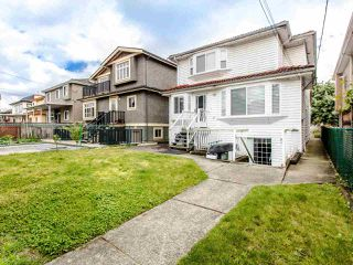 Photo 19: 2035 E 48TH Avenue in Vancouver: Killarney VE House for sale (Vancouver East)  : MLS®# R2465858