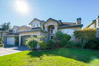 Photo 3: 6055 125A Street in Surrey: Panorama Ridge House for sale : MLS®# R2503823