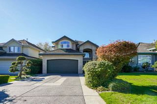 Photo 1: 6055 125A Street in Surrey: Panorama Ridge House for sale : MLS®# R2503823
