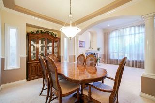 Photo 10: 6055 125A Street in Surrey: Panorama Ridge House for sale : MLS®# R2503823