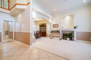 Photo 7: 6055 125A Street in Surrey: Panorama Ridge House for sale : MLS®# R2503823
