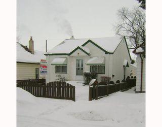 Photo 1: 611 WINDSOR Avenue in WINNIPEG: East Kildonan Residential for sale (North East Winnipeg)  : MLS®# 2801764